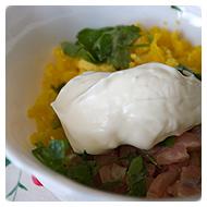 Яйца, рыба, зелень и майонез.