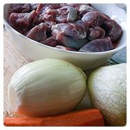 Мясо, лук, редька, морковь